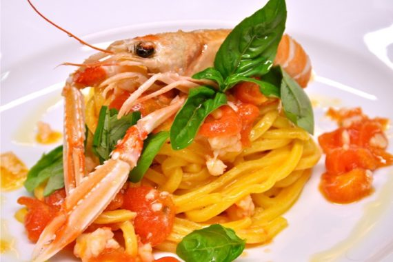 Piatto di spaghetti allo scoglio
